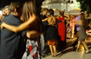 Sicher auf der Tanzfläche von Anfang an. Tango Anfängerkurs mit Wolfgang und Annette